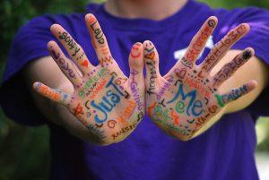 hands-423794_960_720