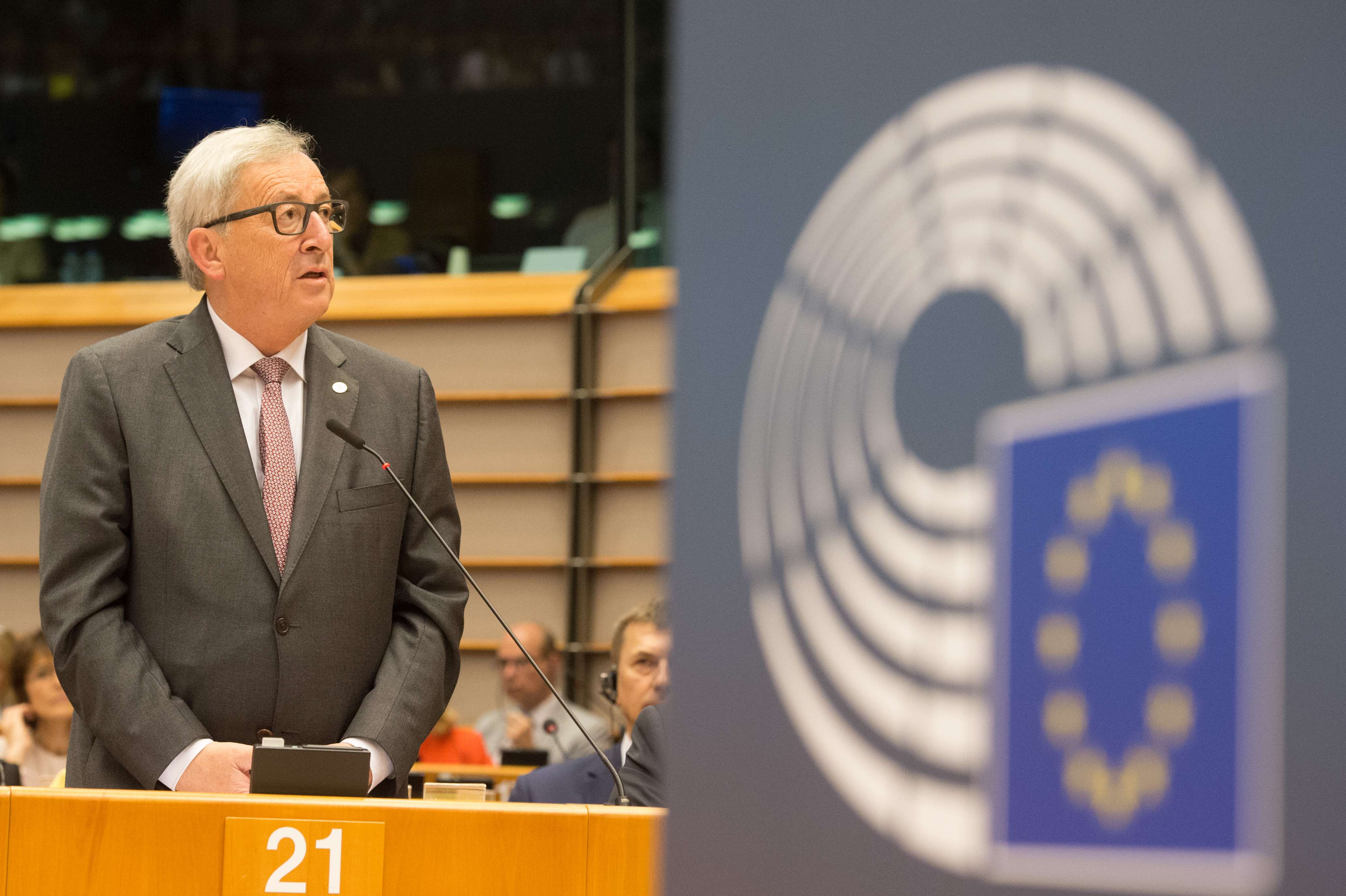 Juncker_parlament_UK