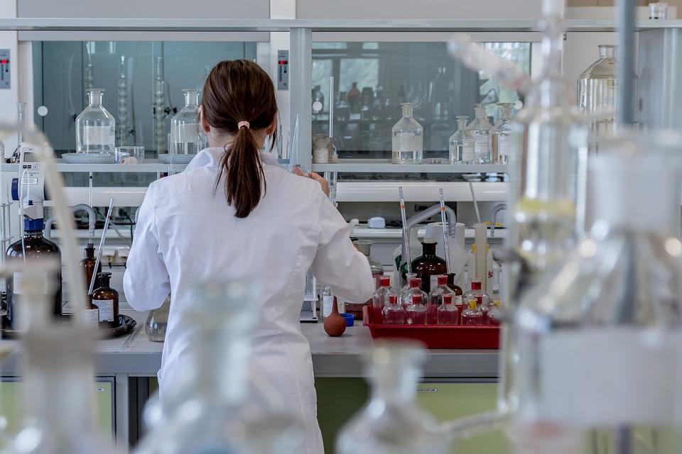 laboratory-2815641_960_720
